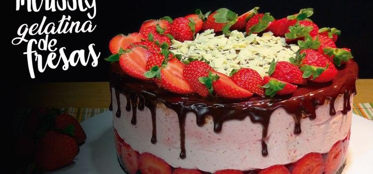 Tarta de mousse y gelatina de fresas, la más rica. (TARTA SIN HORNO)