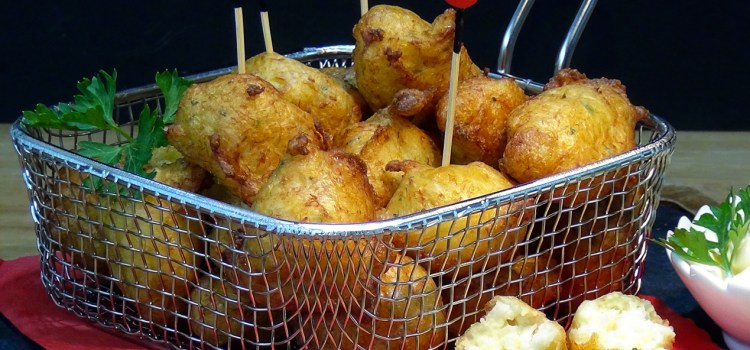 Buñuelos de Bacalao, receta tradicional. Loli Domínguez