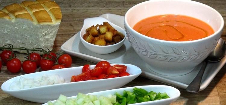 Gazpacho Andaluz, receta tradicional muy fácil, rápida y refrescante