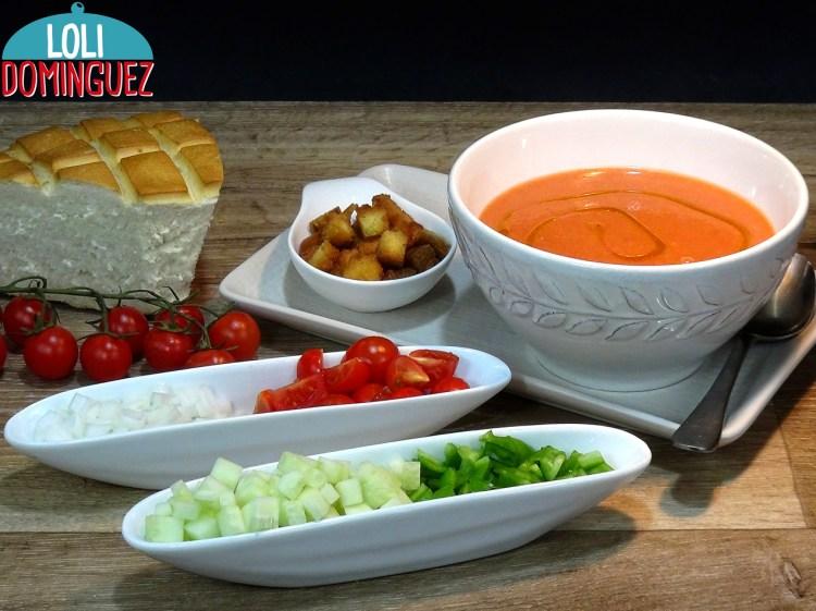 Gazpacho Andaluz, receta tradicional muy fácil, rápida y refrescante, ideal para el verano o días de calor