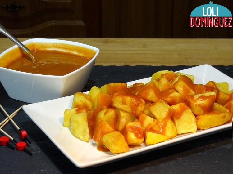 HOY TE ENSEÑO CÓMO HACER PATATAS CON SALSA BRAVA. Las verdaderas patatas bravas que se han hecho tan populares en los bares Españoles