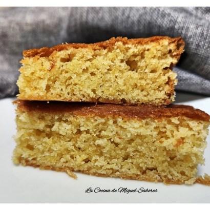 El sobao pasiego es un pastel típico de los Valles Pasiegos (Cantabria). Se puede servir en el desayuno o merienda, acompañado de leche o café.