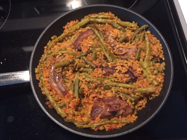 Arroz con costillejas