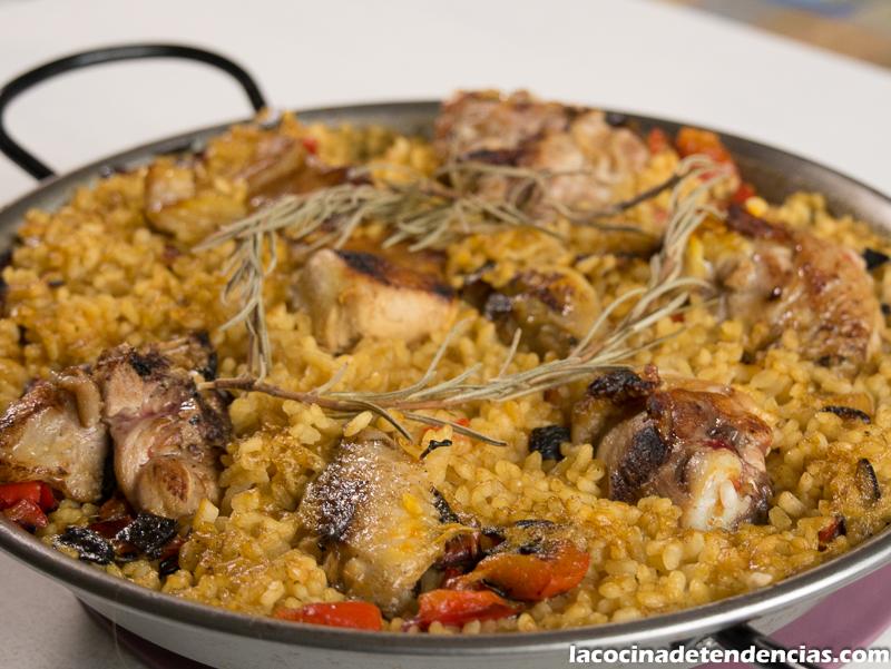 Paella de pollo y conejo la cocina de tendencias for Cocinar un conejo