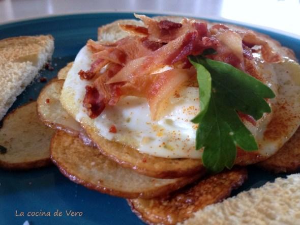 huevos con bacon y papas