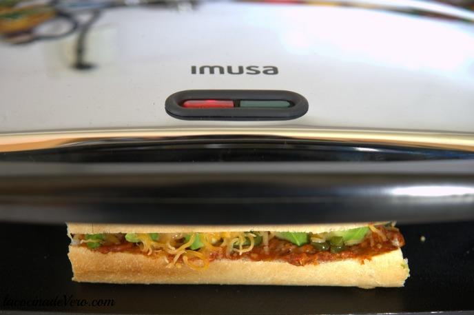 Sandwichera de Imusa - Sandwich de choriqueso