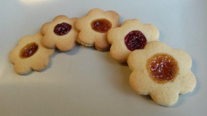 galletas-de-pastaflora-con-mermelada