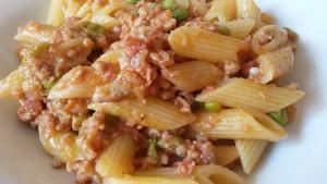 pasta-al-horno-ragú-guisantes