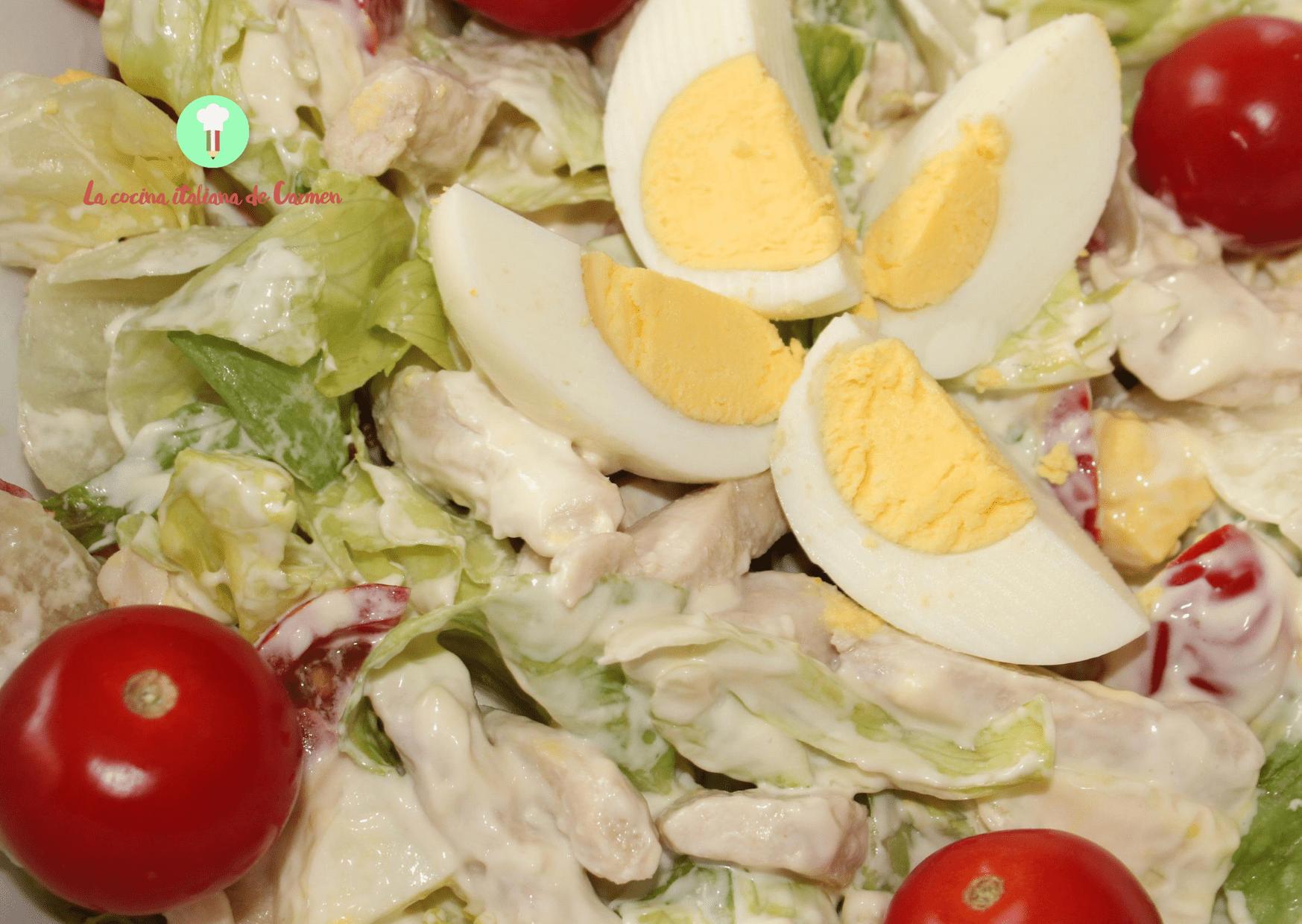 Ensalada con pollo y mayonesa