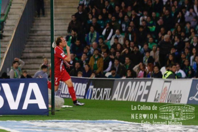 Krohn-Dehli celebra el gol ante el Betis | Imagen: Ismael Molina