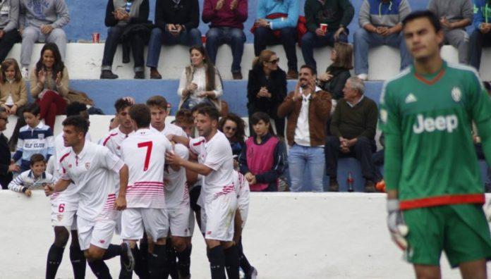 Celebración del gol de Curro que daba la clasificación en la UYL | Imagen: Sevilla FC