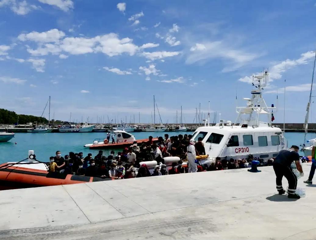 Ennesimo sbarco di migranti a Roccella Jonica: arrivate 106 persone