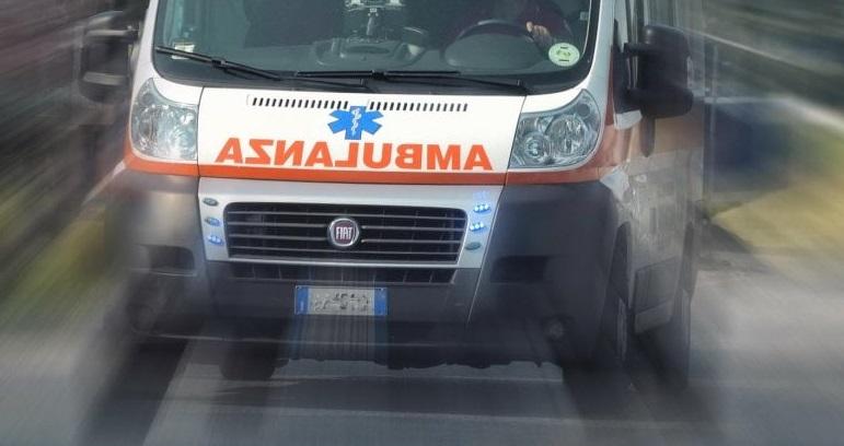Caulonia, gravissimo incidente stradale. Morte due donne