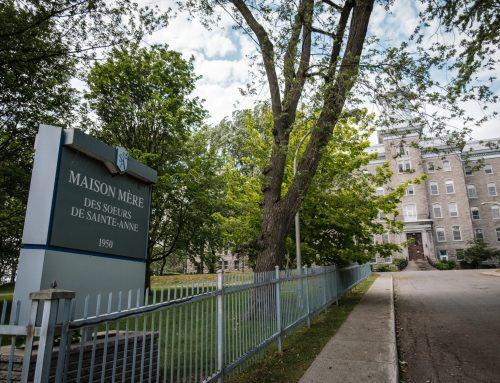 D'anciennes élèves demandent des comptes aux Sœurs de Sainte-Anne