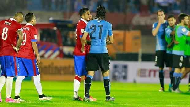 Cavani  reveló qué fue lo que le dijo Jara al finalizar el partido entre Chile y Uruguay