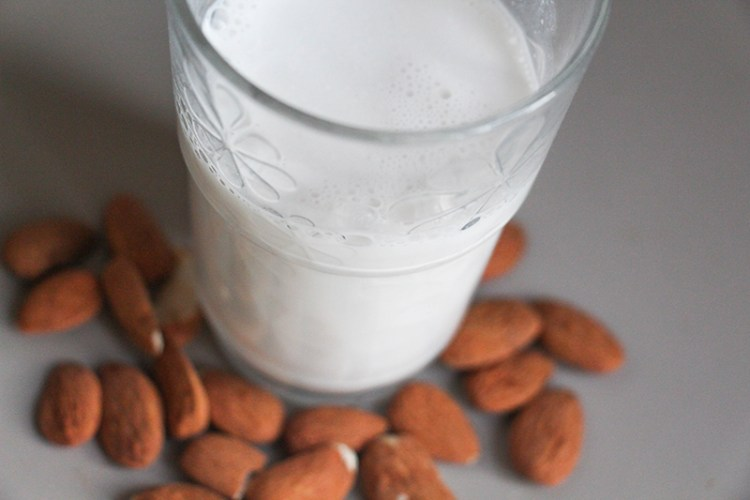 lait végétal amande écologie