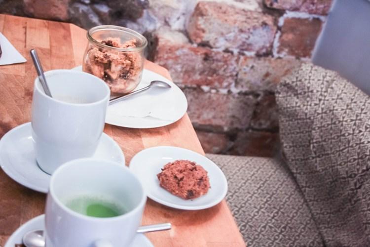 cafe pinson salon de thé vegan paris
