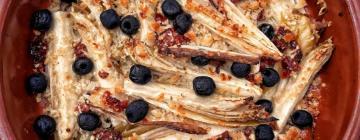 Makaron penne z suszonymi pomidorami, rukolą i serem gorgonzola