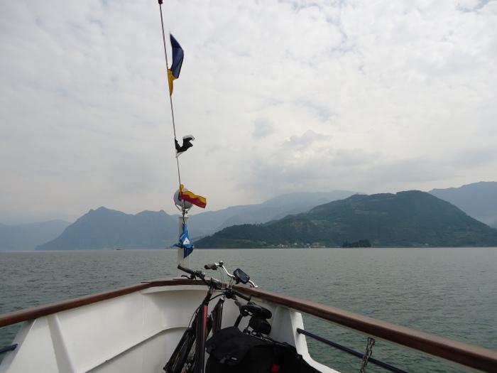 En barco a Monte Isola