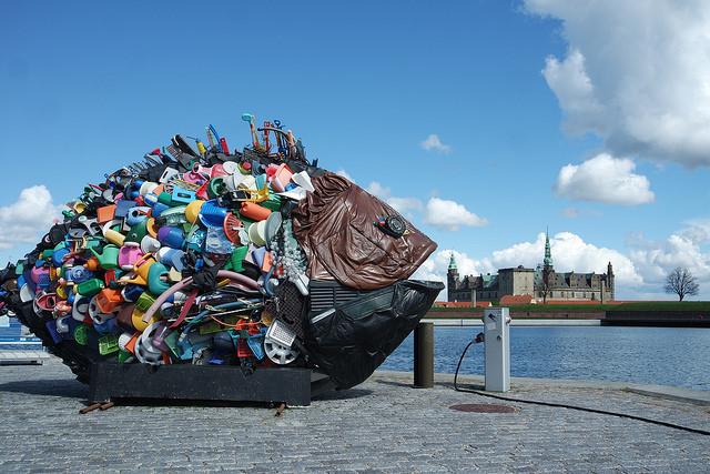 Puerto de Helsingor, de fondo elcastillo de Hamlet