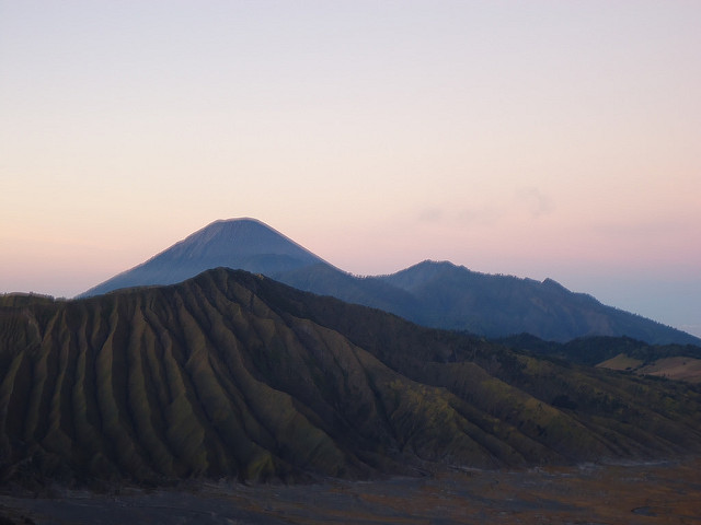 Amanecer en el volcán Bromo, Indonesia