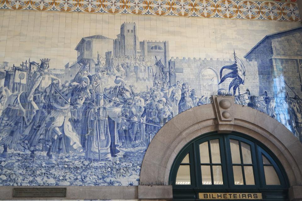 azulejos-estacion-de-sao-bento-oporto