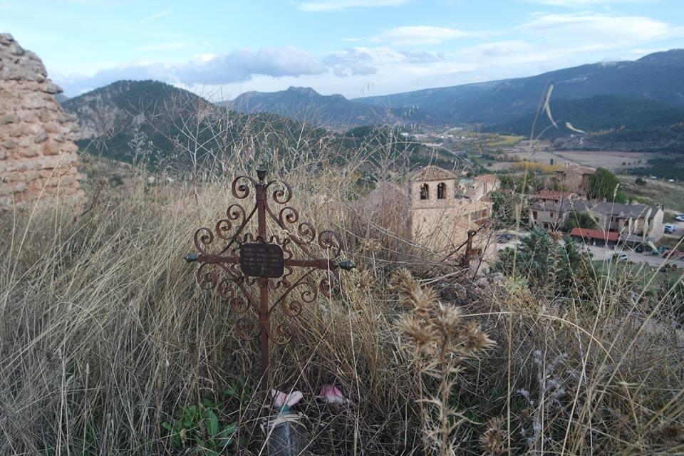 Riópar Viejo desde su castillo - cementerio