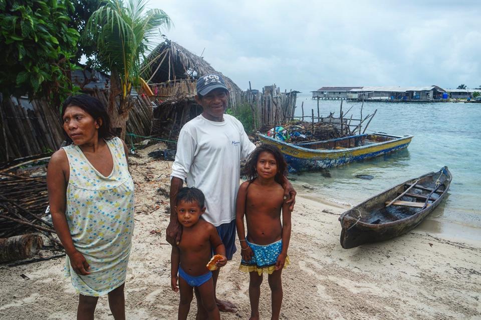 Néstor y su familia, Nalunega