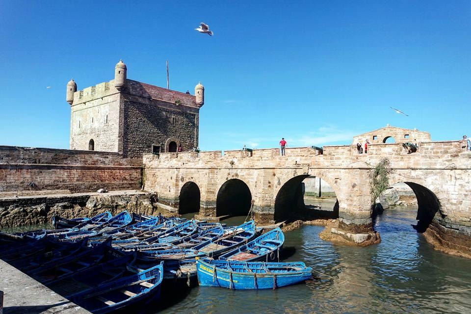 que-ver-en-essaouira-fortaleza-y-barcas