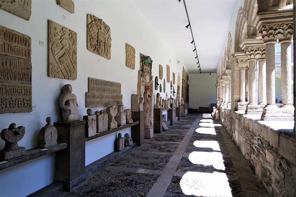 Claustro, museo provincial de Lugo