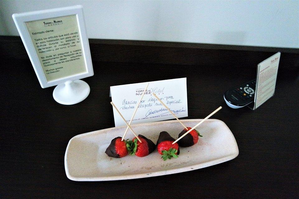 Fresas con chocolate, hotel Torre de Nuñez