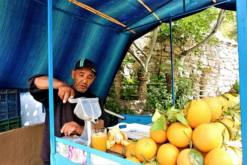 Puestos de naranjas, Chefchauen