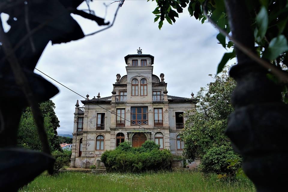 La casa de El Orfanato, qué ver en Llanes