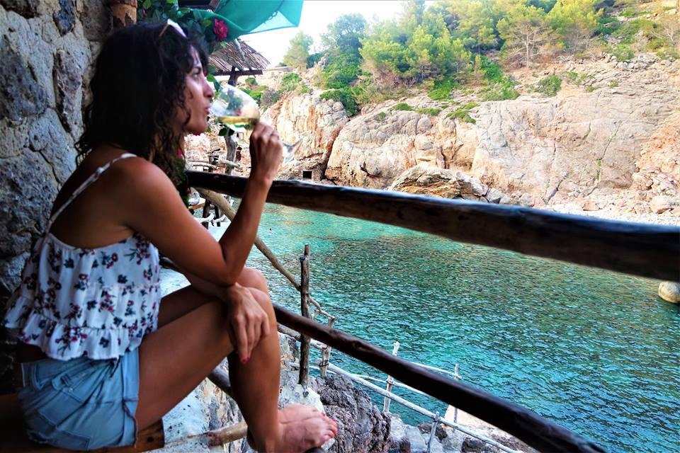 Chiringuito, cala de Deiá, Mallorca