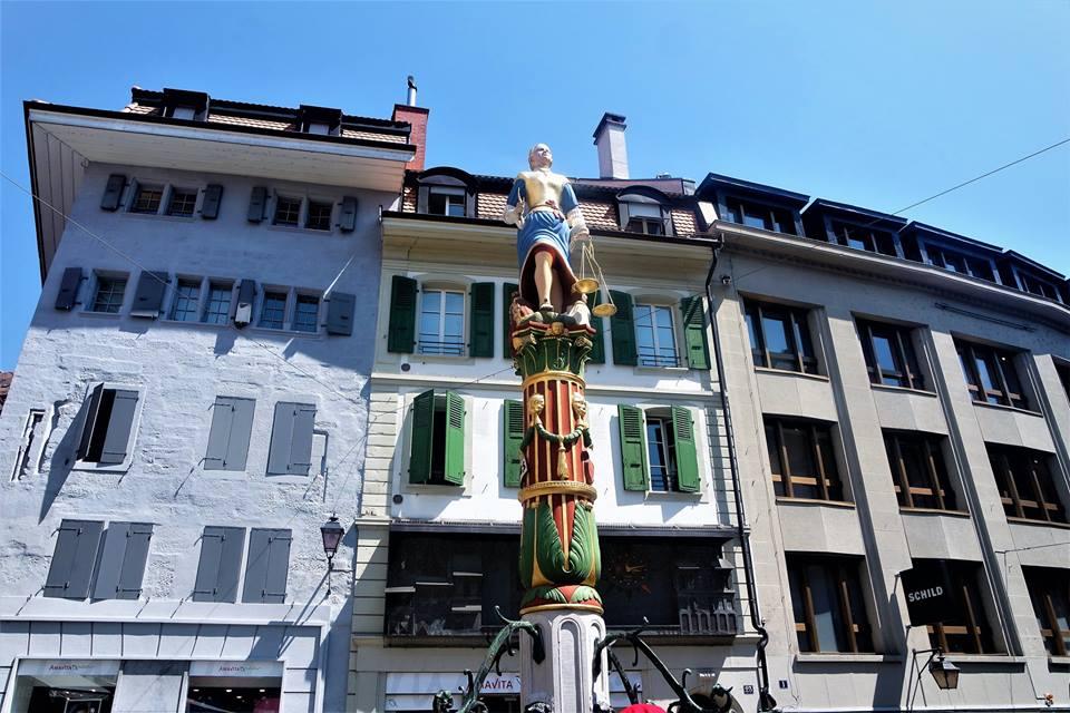 Lausanne, fuente de la justicia