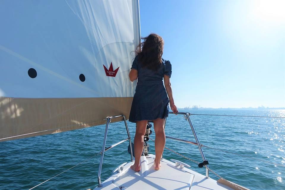 Navegando en velero en la bahía de Cádiz
