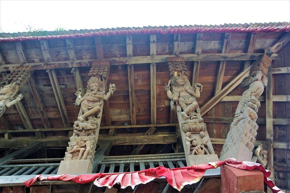 Tallas eróticas del templo de Kirtipur