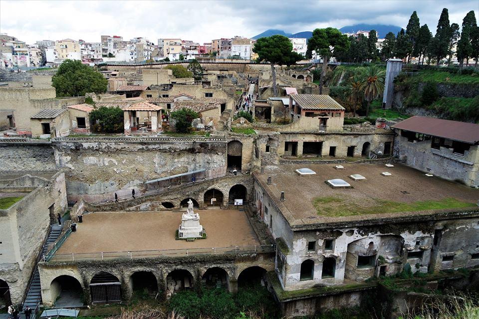 Herculano, Italia
