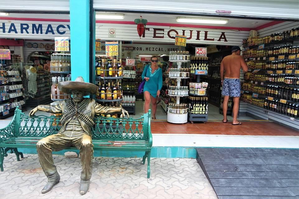 Tiendas de Isla Mujeres