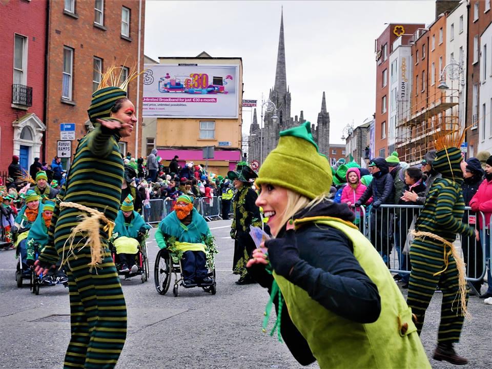 El desfile de San Patricio inunda Dublín de verde