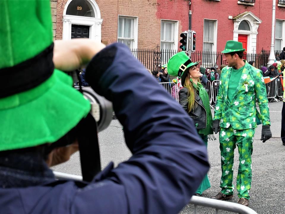 Preparados para el desfile de San Patricio en Dublín