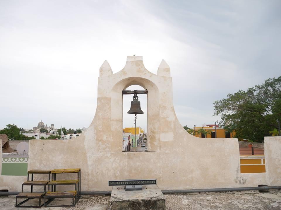 Campana en la Muralla de Campeche