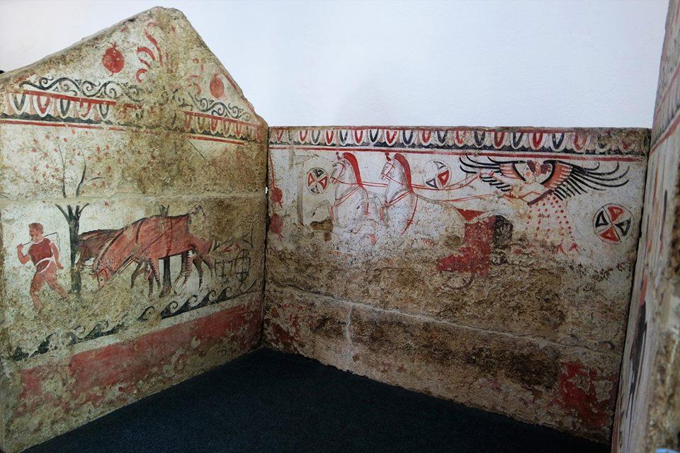 Tumbas de la necrópolis de Paestum