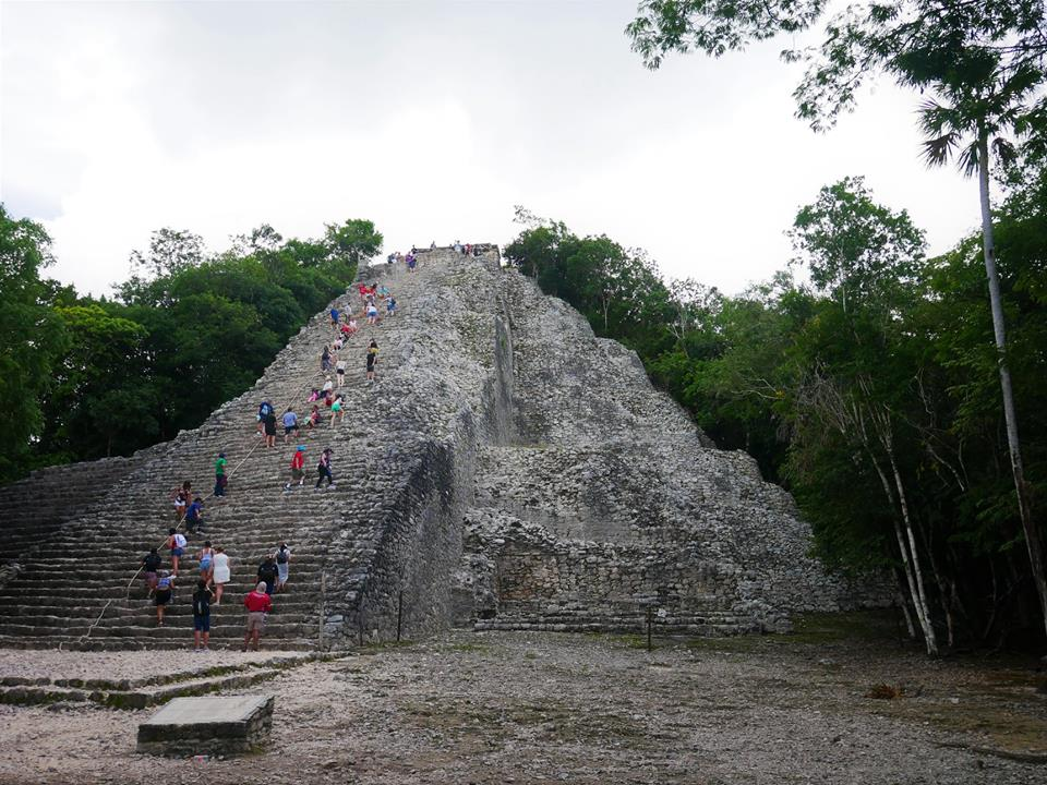 Gran pirámide de Cobá
