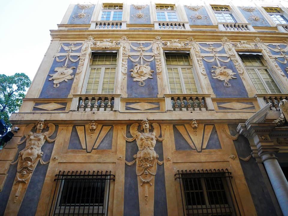 Fachadas de los palacios de Vía Garibaldi