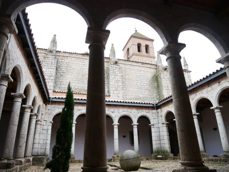 Claustro de la iglesia de Simancas