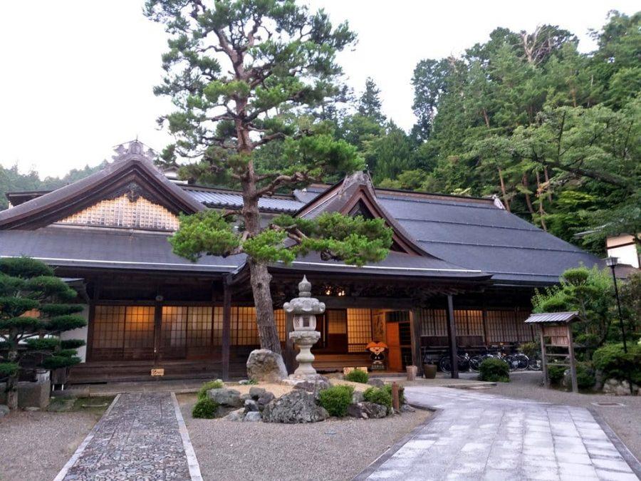 Dormir en un monasterio en Koyasan