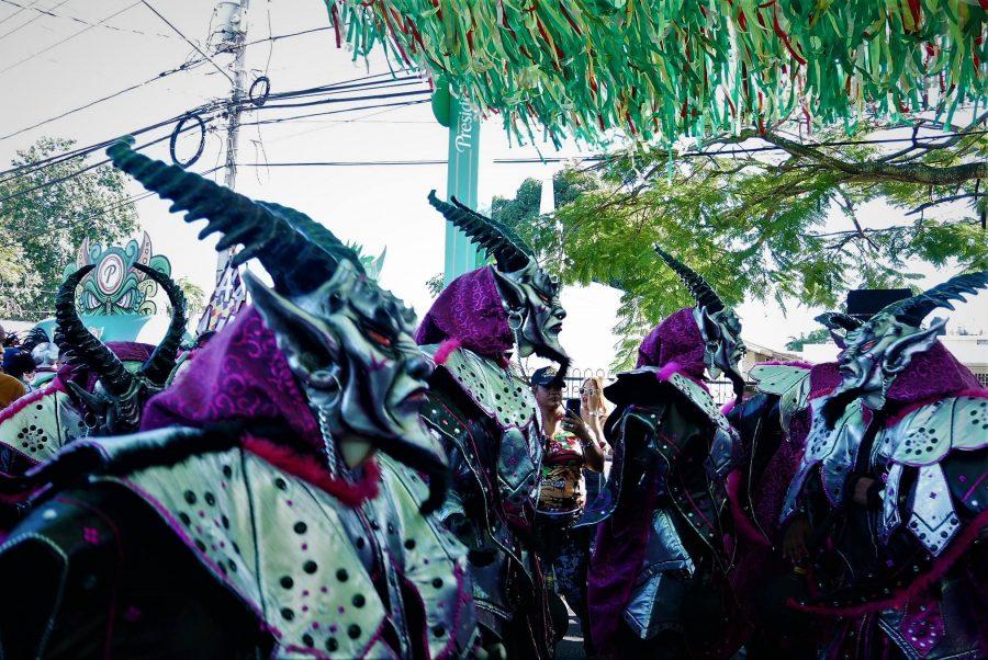 Diablos cojuelos en el carnaval