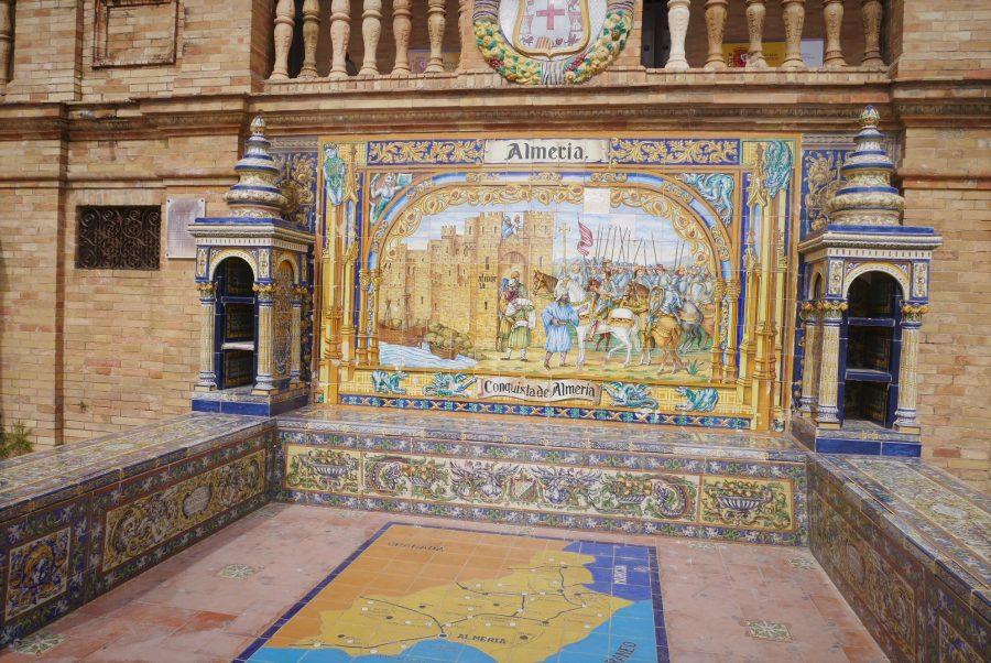 Bancos de la plaza de España