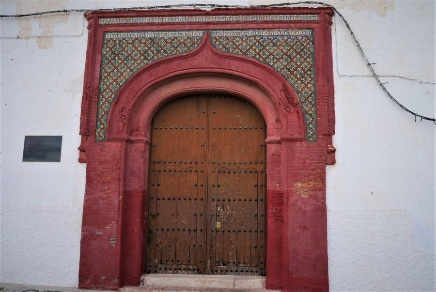 Puerta de la iglesia de Salobreña